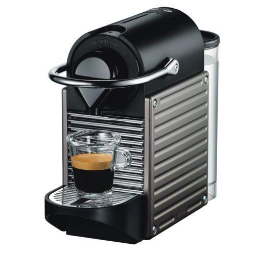 Krups XN 3005 Nespresso Pixie Electric Titan für 75,51€ (statt 83€) + 20€ Kaffeeguthaben