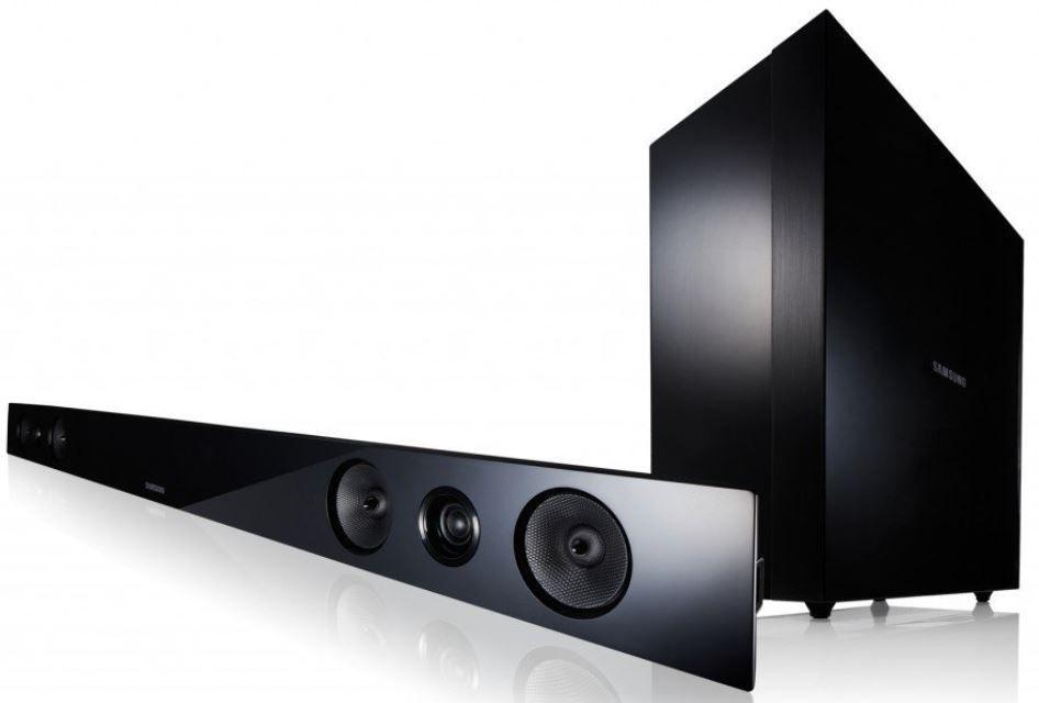 Samsung HW F 450   Bluetooth 2.1 Soundbar mit kabellosen Subwoofer 280W für 119€