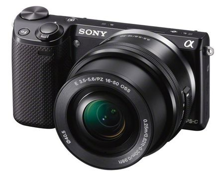 Sony Alpha NEX 5T Kit 16 50 mm System Kamera (LCD Display, Full HD, WiFi, NFC) für 353,20€