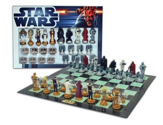 Star Wars Schachspiel United Labels 0805343   Star Wars: Schachspiel für 13,99€ (statt 28€)