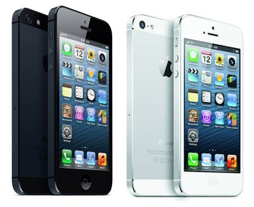 Apple iPhone 5 32GB (Austauschgeräte) in Schwarz oder Weiß für 389€ (statt 470€)