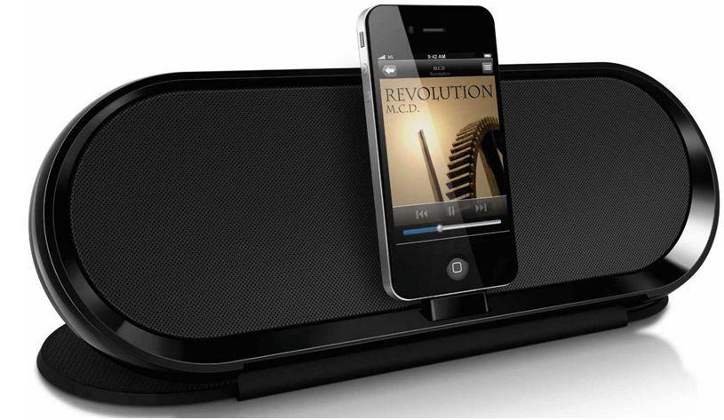 neu Philips DS7600/10 Pure   Apple iPhone/iPod Dockinglautsprecher für 33,33€