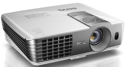 BenQ W1070+ BenQ W1070   3D Full HD DLP Beamer mit 2.200 ANSI Lumen für 599€