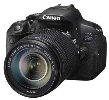 Canon EOS 700D Canon EOS 700D + EF S18 135mm IS STM Obejektiv für 676,54€