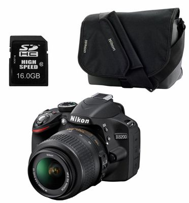 Nikon D3200 Nikon D3200 + AF S DX 18 55 VR II + Tasche + 16GB Speicherkarte für 299€
