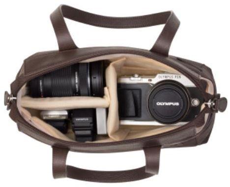 Olympus E PL5 Double Zoom Kit mit 2 Objektiven (14 42MM II R + 40 150MM) + Tasche + 8GB SD Karten für 354,95€