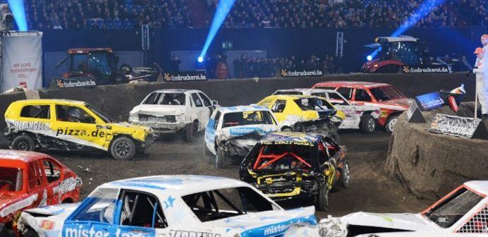 """2 3 Tage für Zwei im 4*Hotel mit Tickets für die """"TV Total Stock Car Crash Challenge"""" p.P. ab 79€"""