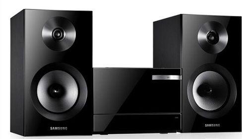 Samsung MM E330D 2.0 Kompaktanlage für 77,99€