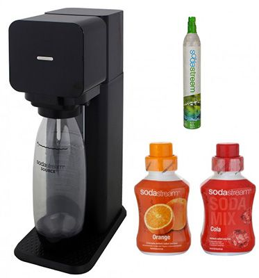 SodaStream Play Wassersprudler + 5x 600ml Cola Sirup & 5x 600ml Orange Sirup für 44,90€