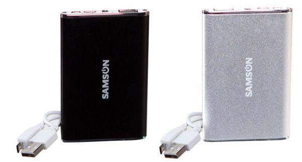 Samson Universal Powerbank mit 3.800 mAh und LED Lampe für 6,99€   2 Stück für 10,49€, 3 Stück für 15,73€