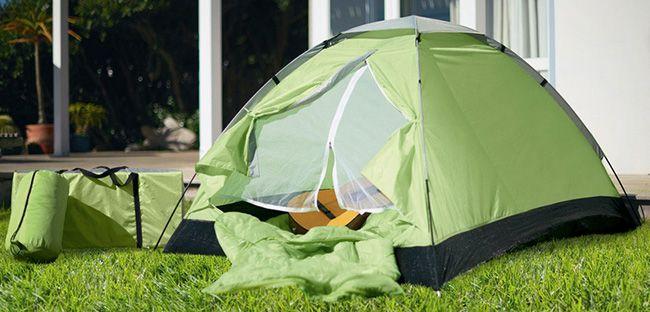 2 Personen Zelt mit 2 Schlafsäcken und 2 Campingmatten für 31,99€
