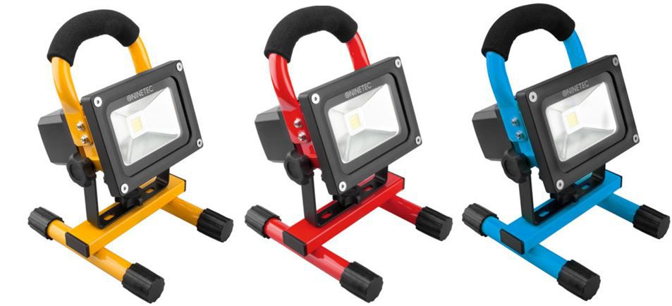 NINETEC   10W LED Akku USB Strahler in drei Farben für je 24,99€