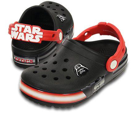 Black-and-Flame-Kids-CrocsLights-Star-Wars-Darth-Vader-Clog-_16160_0X9_ALT110