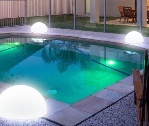 LED Garten Hlableuchte 3er Set moderner LED Solarleuchten in Kugelform für 19,99€
