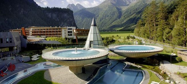 Aqua Dome Tirol TOP! 1 Nacht im 4* Aqua Dome Tirol + Halbpension + Thermen  & Saunawelt ab 99€ p.P.