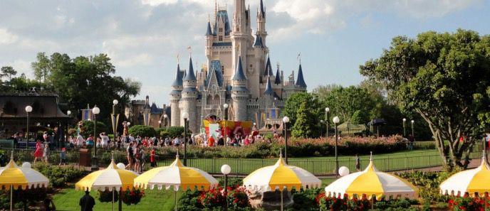 Disneyland Paris1 1 Tagesticket Disneyland Paris + 2 ÜN im 4* Hotel mit Frühstück ab 149€ p.P.