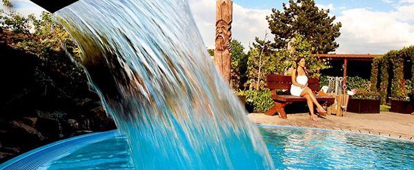 2 Personen Tageskarte für die Bade  und Saunalandschaft im Aqualand für 25,90€
