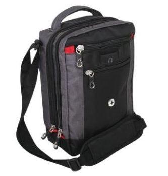 Wenger Vertical   Mini Boarding Bag für 17,95€ statt 28€