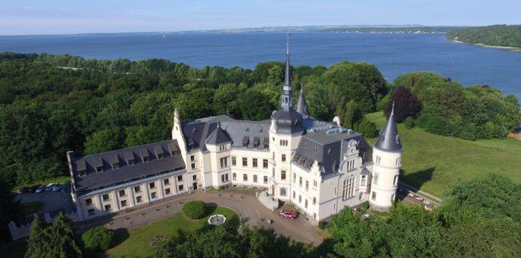 2 ÜN auf Rügen im Schlosshotel inkl. Frühstück, 3 Gänge Menü & Wellness ab 104€ p.P.