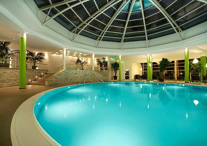 Hotel-Fuerstenhof-Pool
