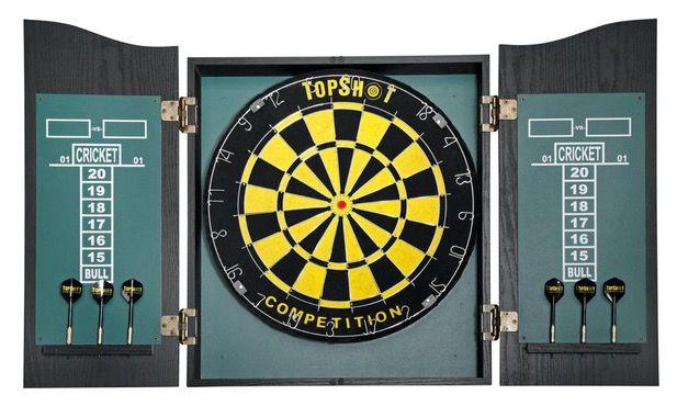Dart Board Dart Board mit 6 Steel Darts für 25,90€ (statt 45€)