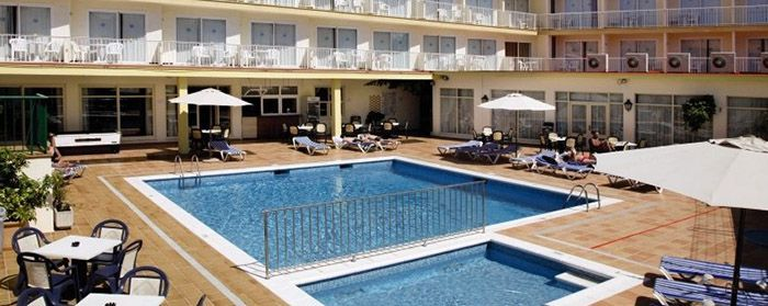 7 Tage Mallorca im 3* Hotel + Flüge, HP & Zugtickets ab 325€ p.P.