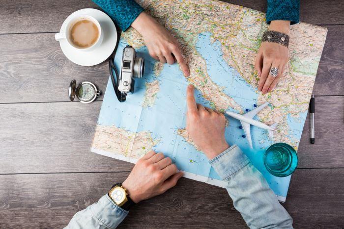 """Ab in den Urlaub """"Das reiselustigste Volk der Welt"""" – der aktuelle Ratgeber um das Thema Urlaub"""