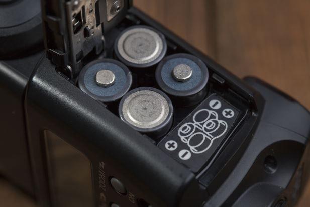 Batteriefach einer Kamera Ratgeber: Die besten wiederaufladbaren AA Batterien
