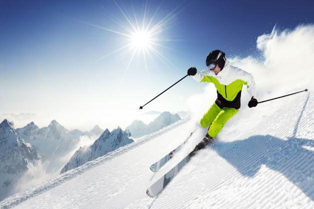Skifahrzeit Der beste Ski für den Skiurlaub, oder doch lieber ein Leihski?   Ratgeber