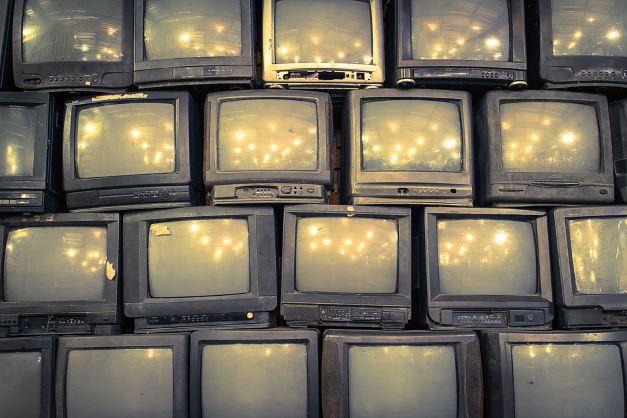 alte Roehrenfernseher Der TV Ratgeber   worauf sollte man beim TV Kauf achten (von Full HD bis UHD)