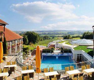 2 ÜN in Bad Griesbach (Bayern) im 4,5* Hotel mit Halbpension + Wellness ab 158€ p.P.