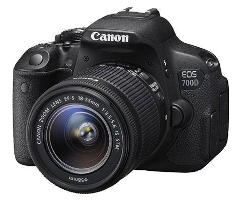 Canon EOS 700D   18MP SLR Digitalkamera mit 18 55mm Objektiv + UV Filter + 2. Akku für 479€