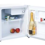 Comfee KB 5047 Mini-Kühlschrank mit Gefrierfach für 79,99€ (statt 98€)
