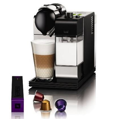 DeLonghi Lattissima EN 520.S Nespressomaschine + Milchschäumer + 100 Kapseln für 149€ (statt 204€)