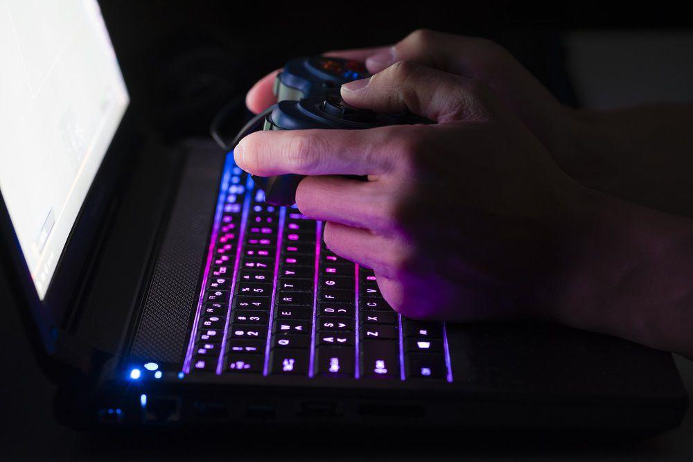 ^D44BD2740FE2EA4A49D4C711E487FC90F8387B88F7C9C07978^pimgpsh fullsize distr Gaming Laptops kaufen – Der große Schnäppchen Führer
