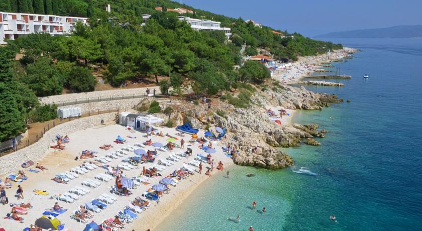 7 Tage Kroatien mit Flug & Apartment direkt am Strand ab 367€ p.P.