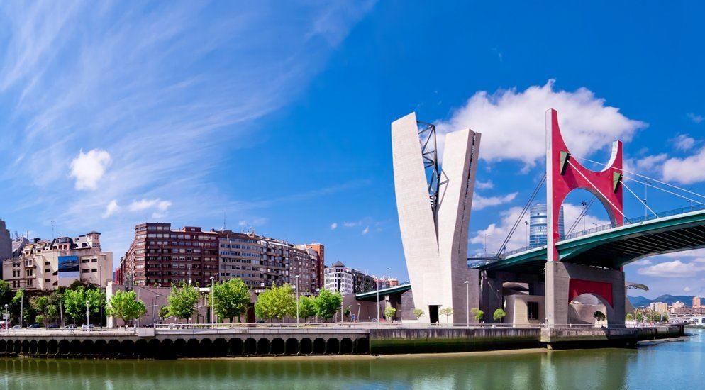 Bilbao Kurzreise mit Flug: 2 o. 3 Übernachtungen im 4 * Hotel Holiday Inn ab 259€