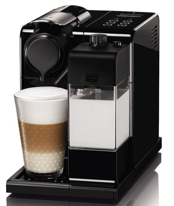 DeLonghi Lattissima EN 550.B Nespressomaschine DeLonghi Lattissima EN 550.B   Nespressomaschine + Welcome Pack mit 16 Kapseln für 199€