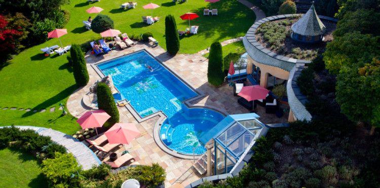 2 7 ÜN im 4* Thermen Hotel + 3/4 Pension + vielen Extras ab 171€ p.P.