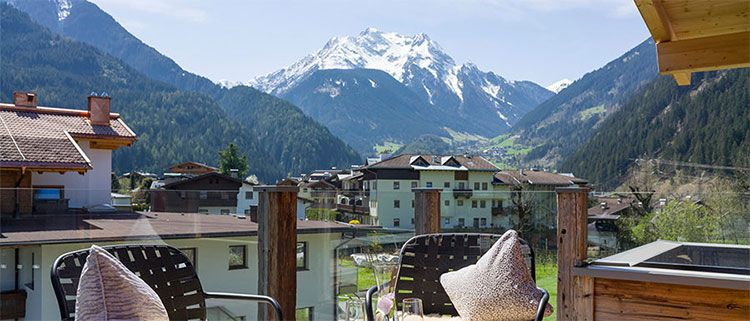 Hubers Boutique Hotel ausblick1 3 Tage Mayrhofen im 4* Hotel inkl. Verwöhnpension & Wellness ab 129€ p.P.