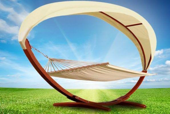 DEUBA Luxus Hängematte für 2 Personen (Holzgestell und Volldach) ab 129,95€ (statt 160€)