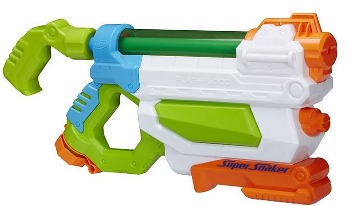 Hände Hoch Hasbro Super Soaker   FlashFlood Wasserpsitole statt 16€ ab nur 6,99€