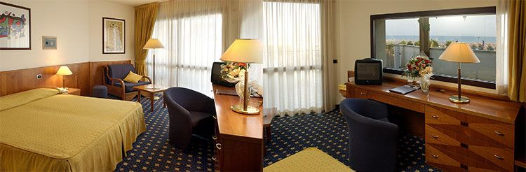 Savoy Beach zimmer 2 ÜN in Venetien im 5* Hotel inkl. Halbpension, Welcome Drink, Thermapool für 129€ p.P.