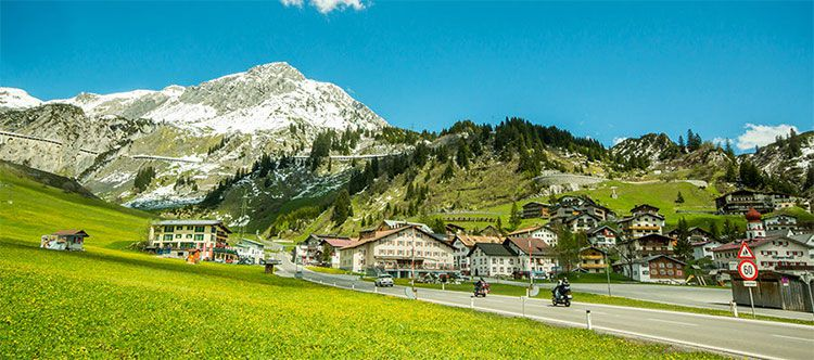 apres post tease 3 Tage in Voralberg inkl. Verwöhnpension, Wellness, Sekt & Arlberg Klostertal Card ab 139€ p.P.