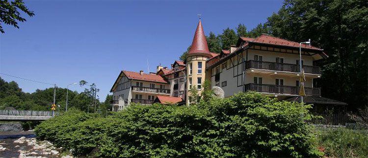 nowa ski teaser 1 ÜN oder mehr im Riesengebirge inkl. HP, Wellness & Fahrradverleih ab 57,76€ je DZ