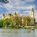 2 ÜN in Schwerin inkl. Halbpension, Late Check-out & Sekt (1 Kind bis 6 kostenlos) ab 99€ p.P.