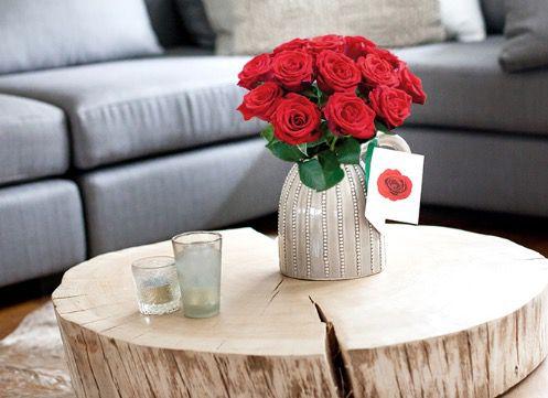 12 rote Rosen + persönlicher Grußkarte für 9,95€