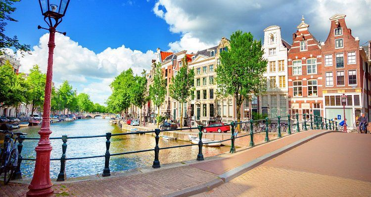 1   4 ÜN in Amsterdam inkl. Frühstück & Canal Cruise ab 49€ p.P.