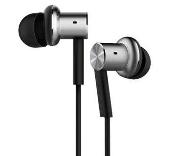 Xiaomi Hybrid Dual Drivers Mi IV In Ear Kopfhörer für 13,68€ (statt 19€)
