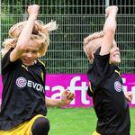 BVB Kinder-Fußballschule + Schal, Essen, Trinken und 3 Sitzplatztickets der Profis ab 179€